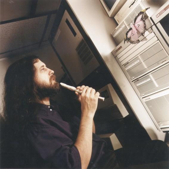 En 1983 anunció el proyecto de desarrollar el sistema operativo GNU.