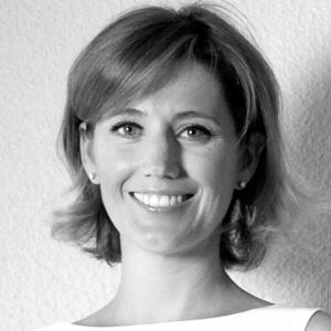 Silvia Álava sonríe en la imagen